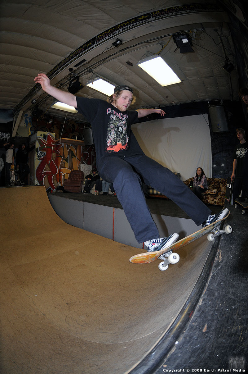 Clay - FS Grind to Fakie @ Pistols