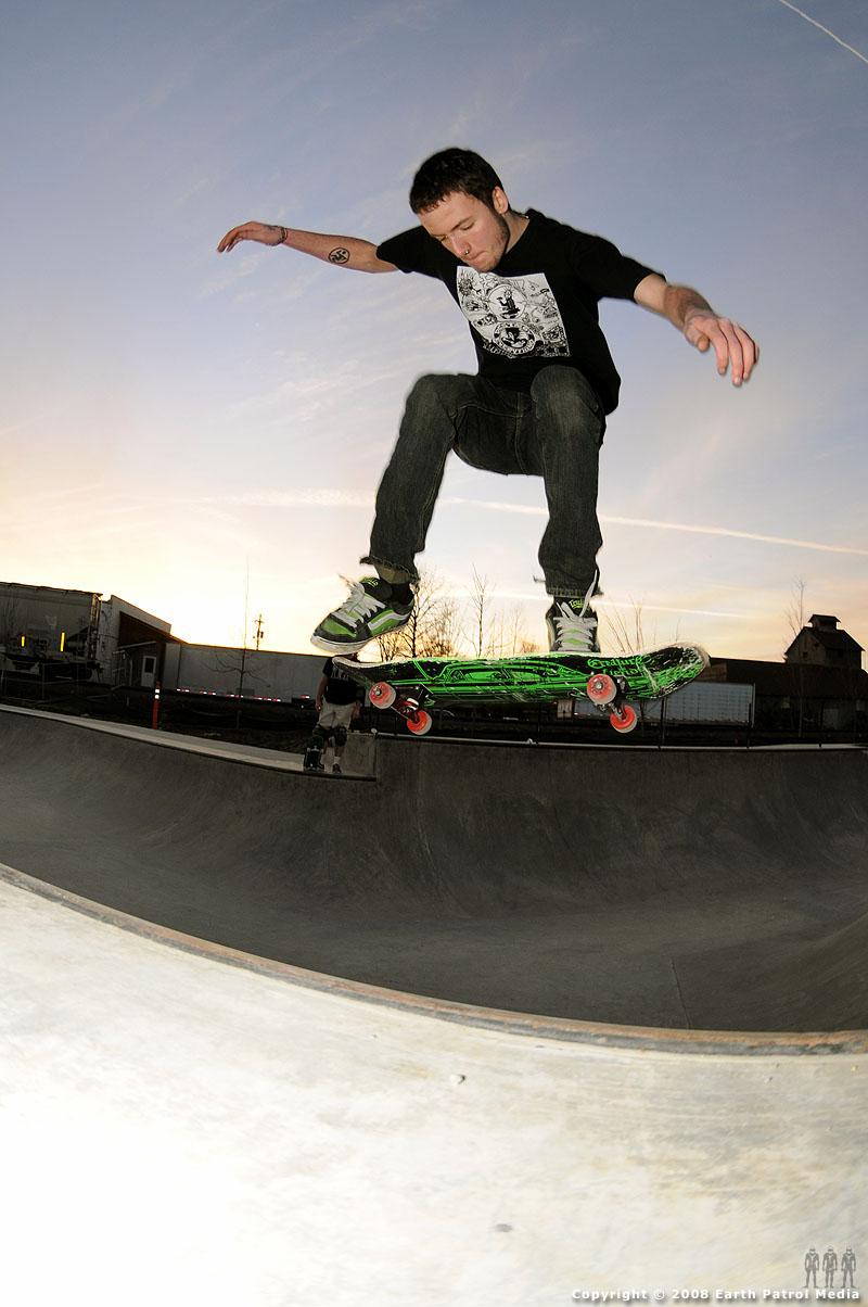 трюк на скейте фото