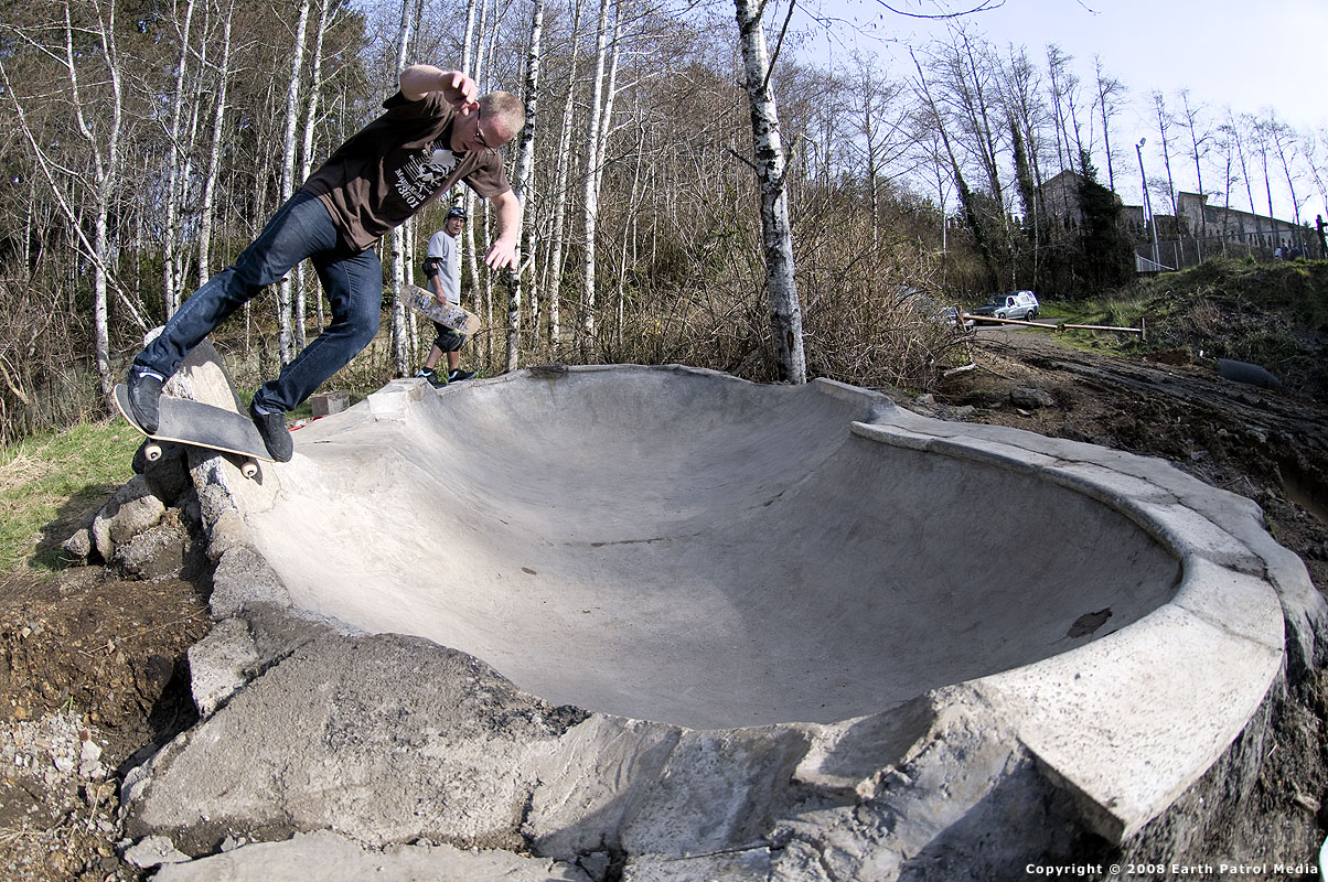 Marek - Side-Rock Tombstone in Mini-Bowl