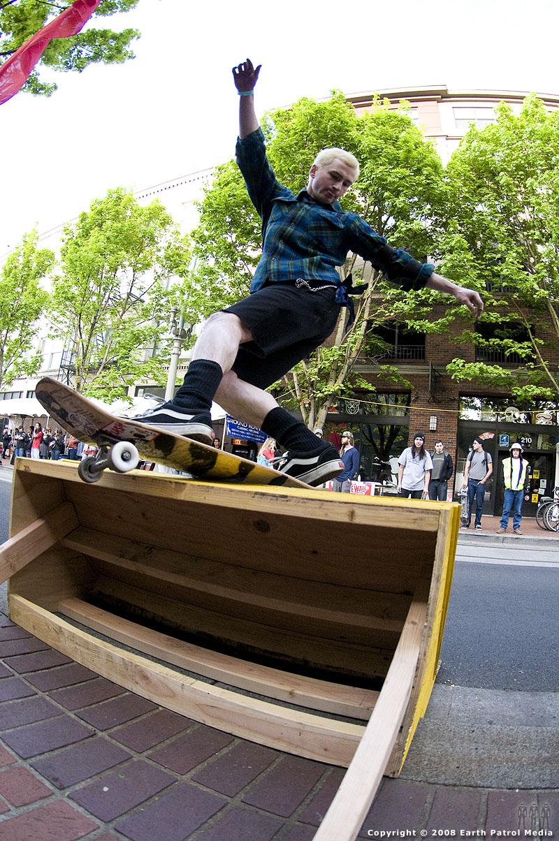 Tyler - FS Rock - Cal Skate Street Jam