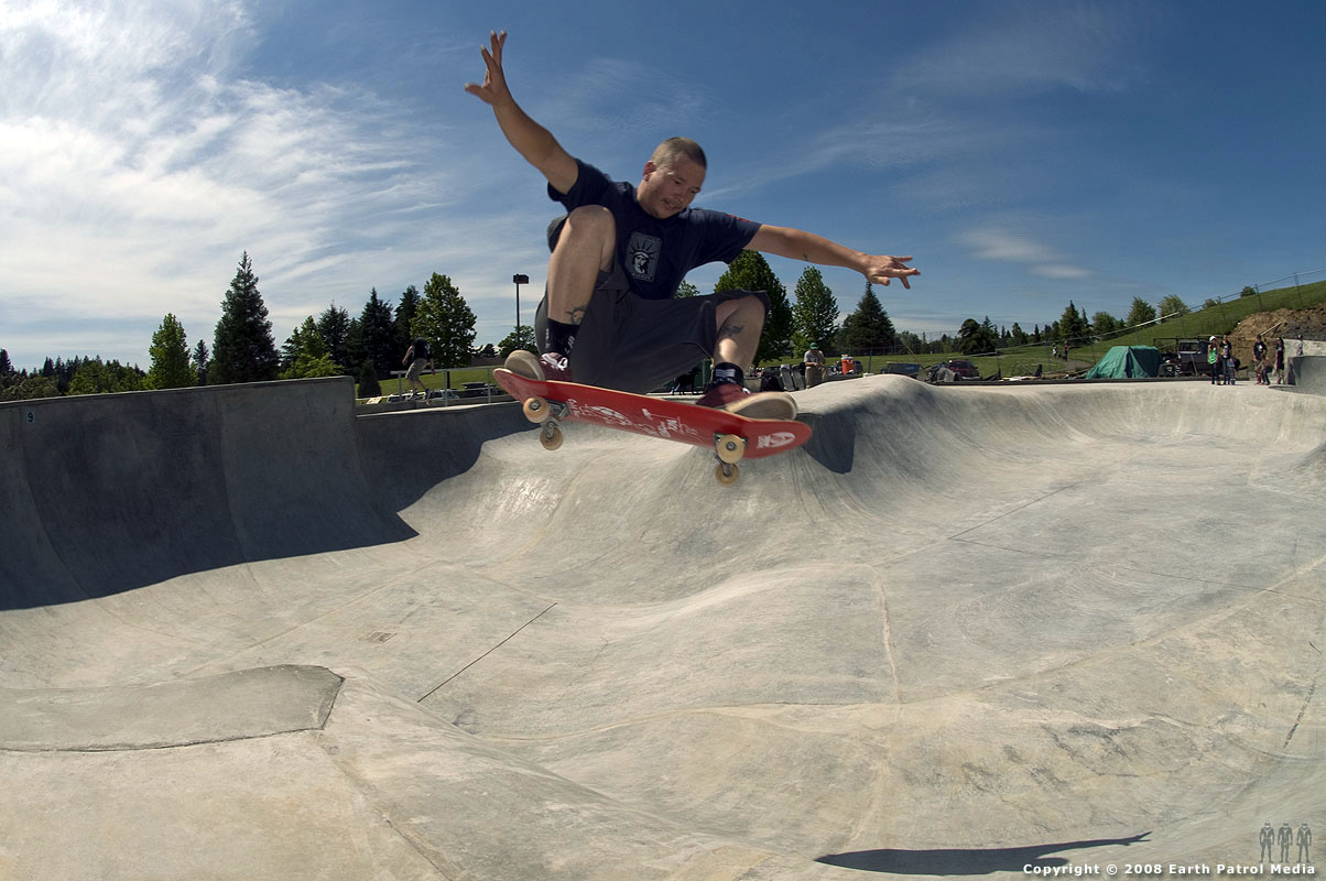 Mike - FS Ollie over Hip @ Gabriel Park