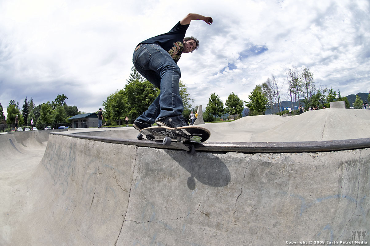Steev - Feeble Grind @ Grants Pass