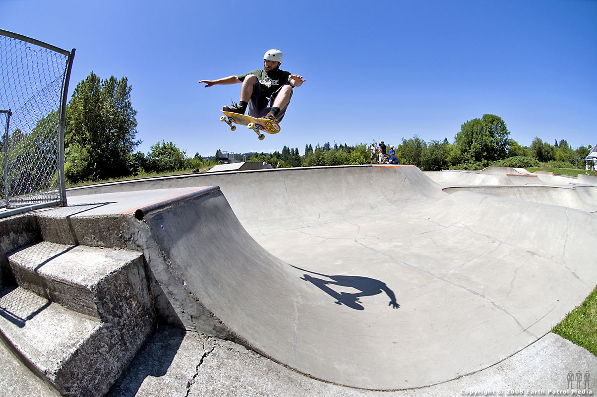 Dan - FS Ollie over Hip @ Newberg