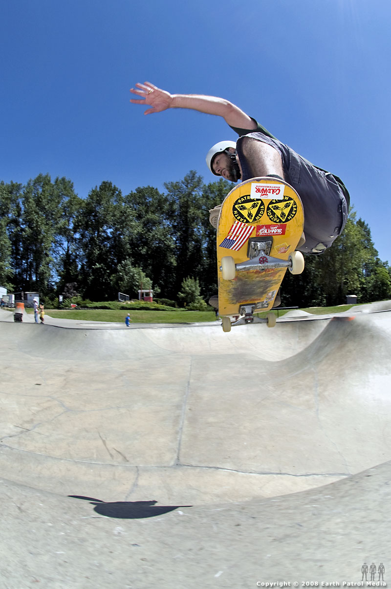 Dan - Nollie over hip to Fakie @ Newberg