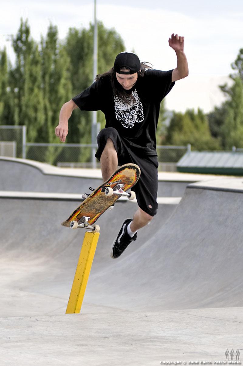 Xavier - No Comply Pole Jam @ Beaverton
