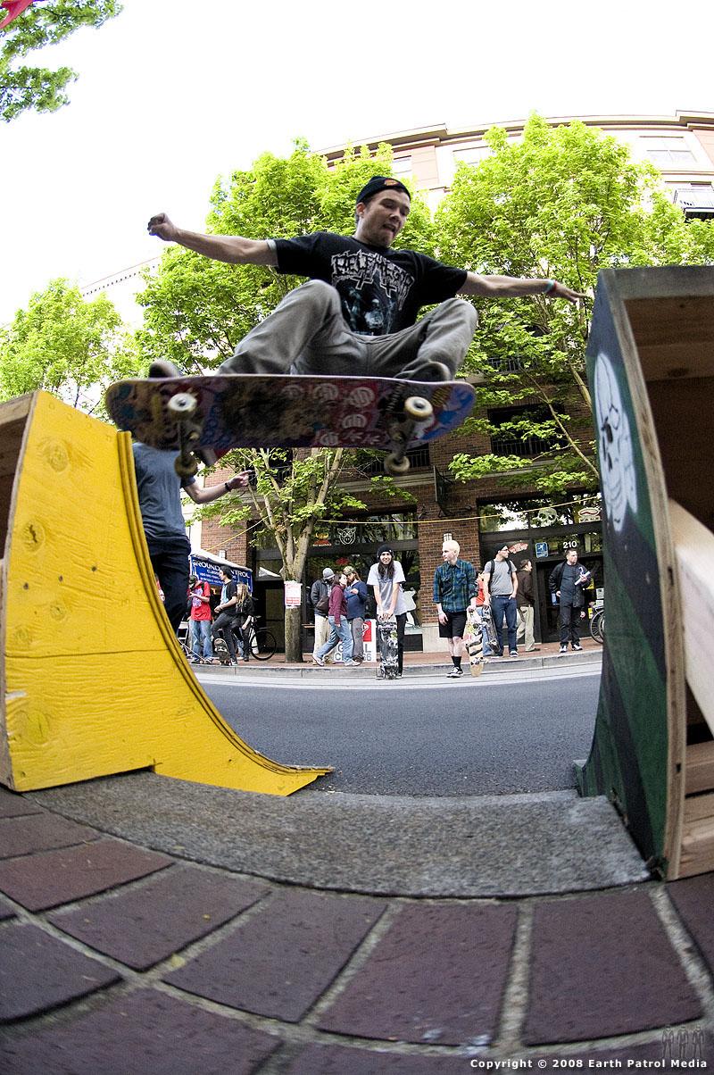 Donovan - FS Ollie Gap @ Cal Skate