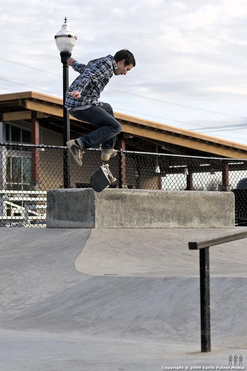 Kyle - Nollie Frontside Flip Hip @ Battle Ground