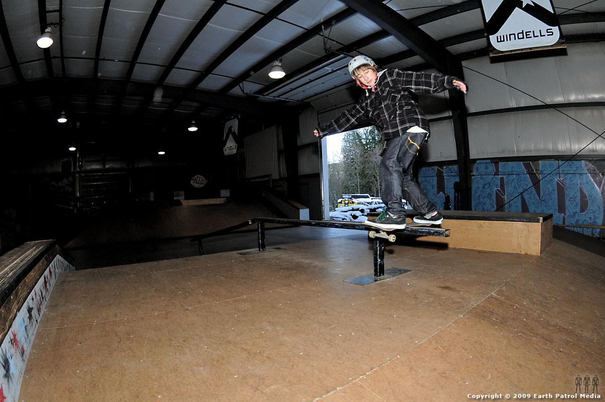 Randy - FS Rail Slide @ Windells