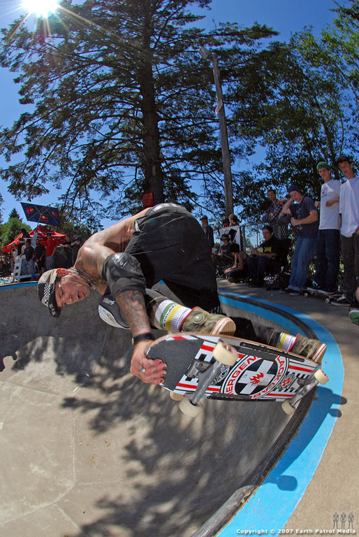 Duane Peters - BS Nose Grab Grind @ Lincoln City