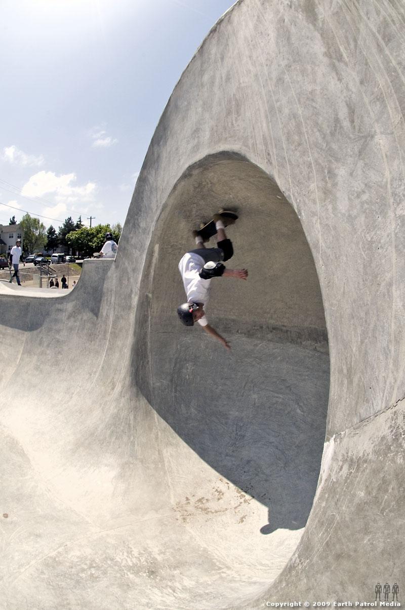 Zac - Master of the Clam @ Coos Bay Skatepark