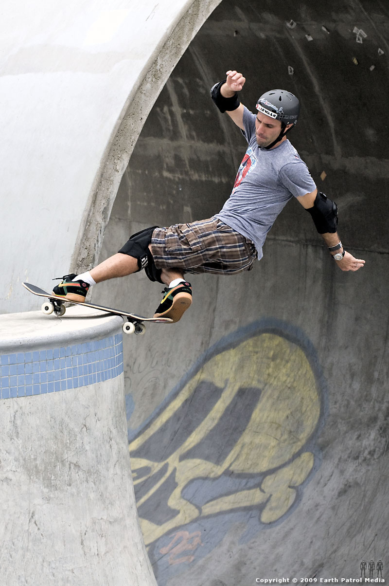 Andy Macdonald - Frontside Rock on the Hip @ Pier Park
