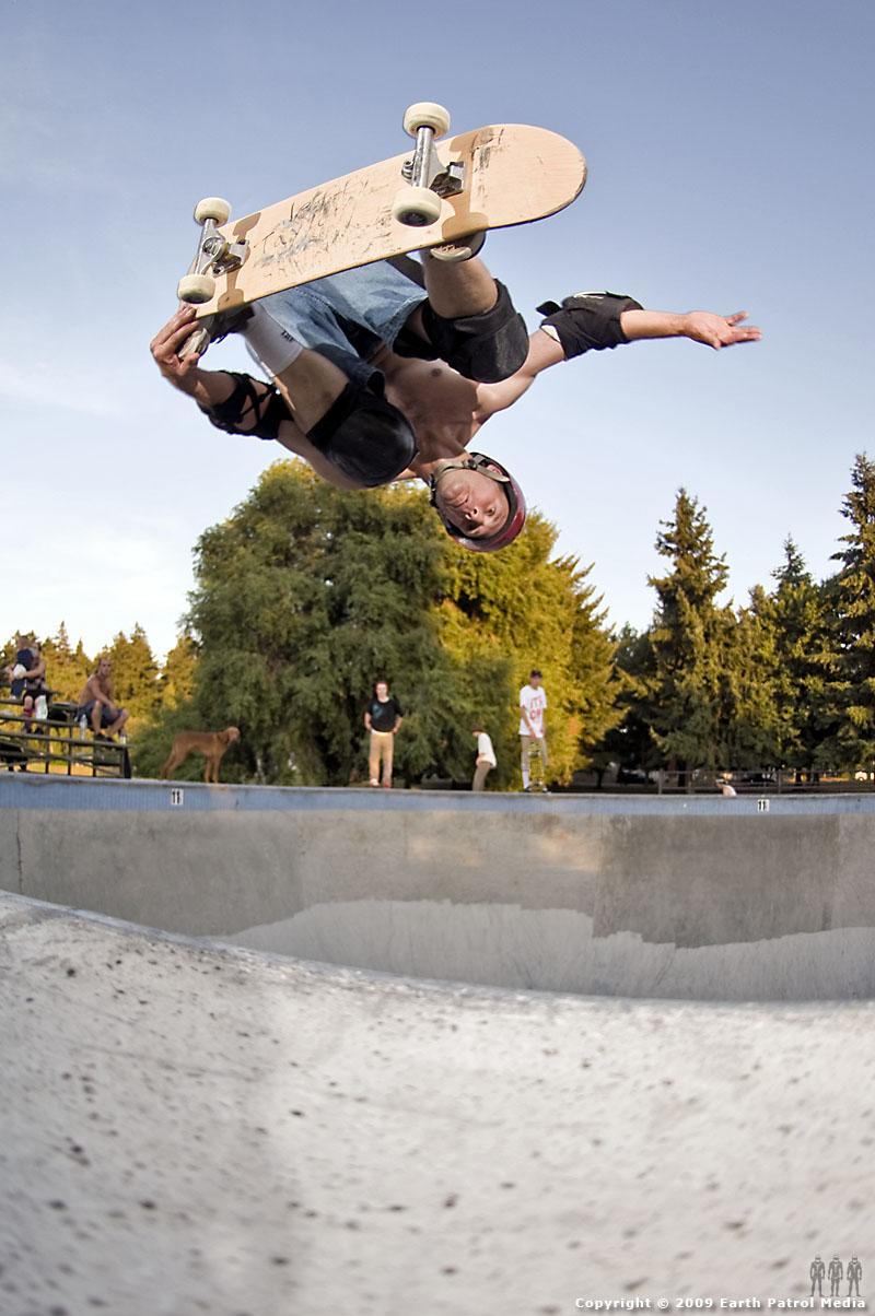 Jeff Taylor - BS Tail Grab Air @ Pier Park