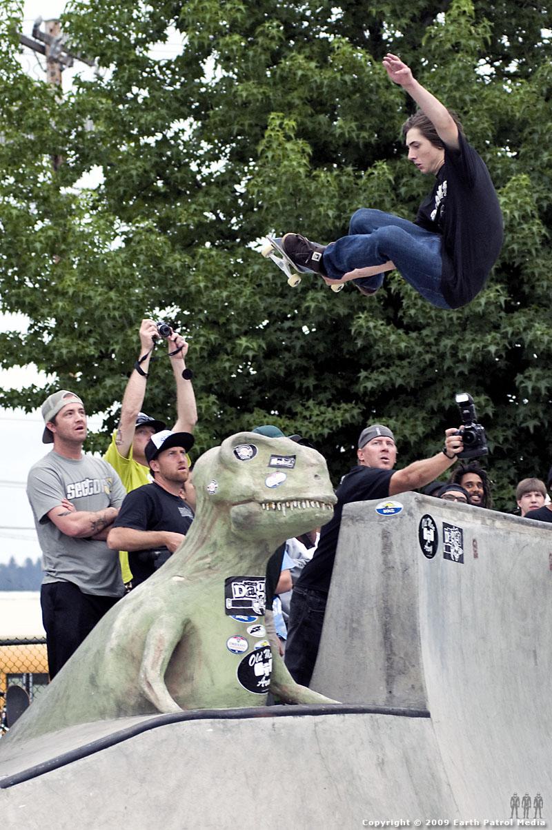 Kevin Kowalski - Stalefish over T-Rex @ Tigard