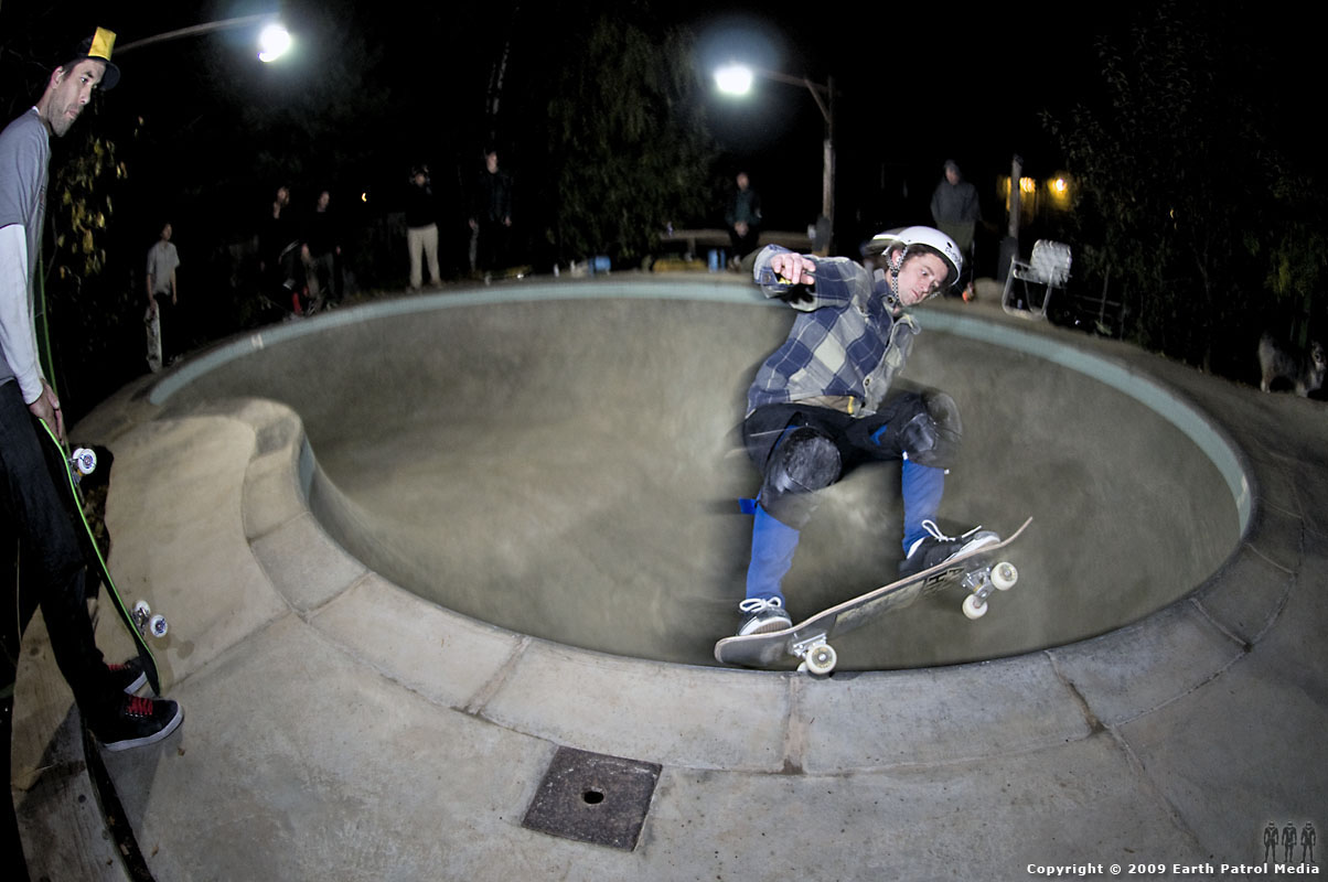 Morris - FS Grind Deathbox @ MC's Bowl