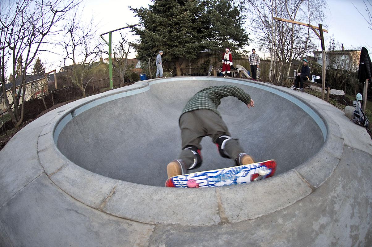 Bryce - BS Carve Grind @ MC's Bowl