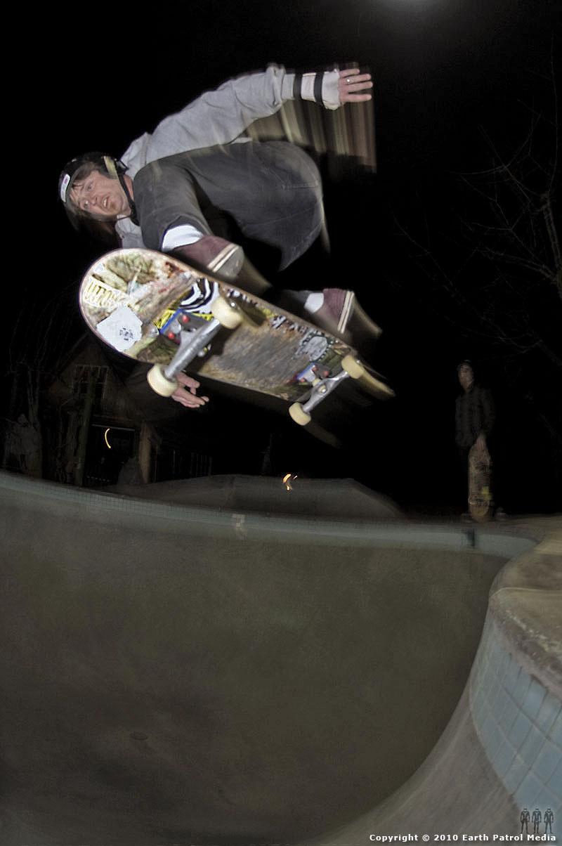 Benji Galloway - Ollie Hip @ MC's Bowl