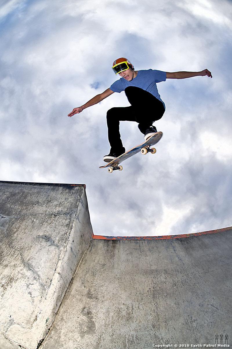 Nate Frank - BS Ollie Ally-Oop (cover shot) @ Newberg
