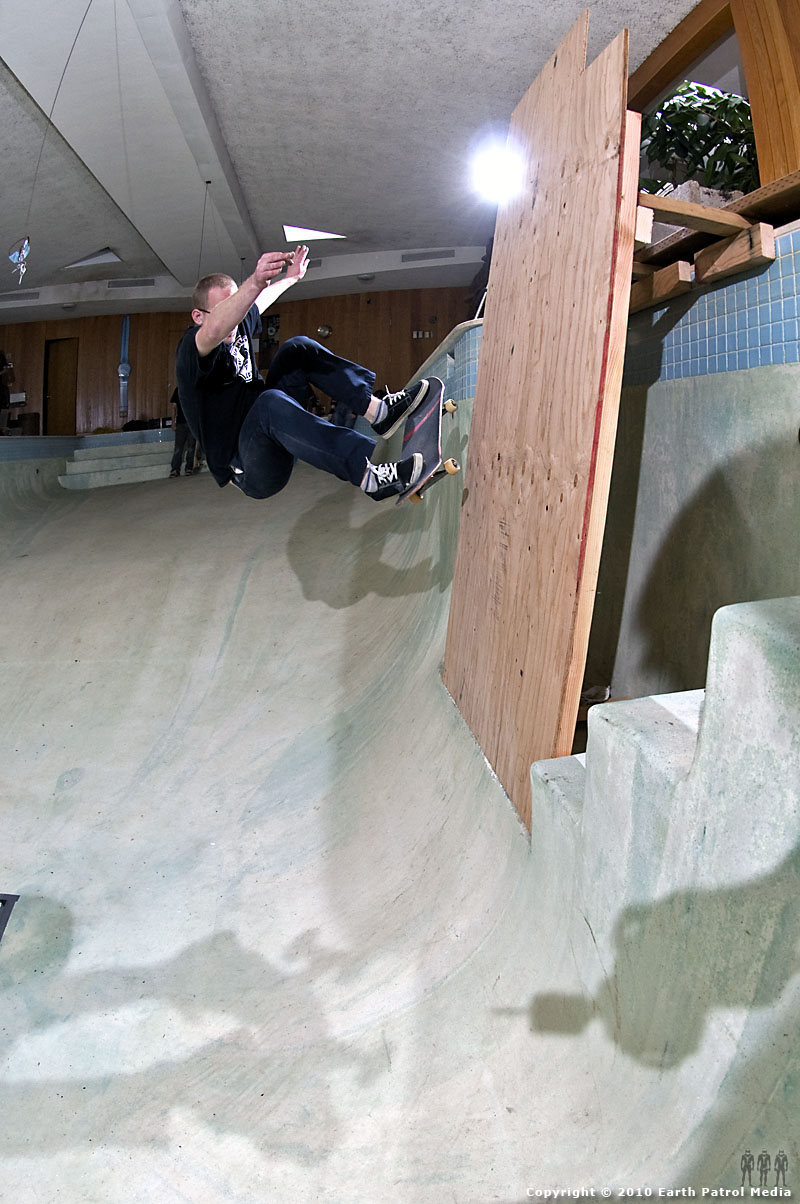 Marek Litinsky - FS Ollie to Wood Extension @ Bamboo Bowl