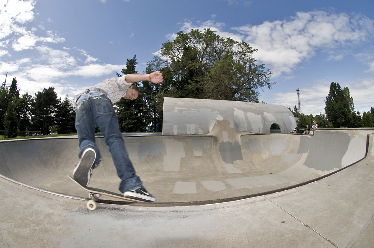 Shane Bell - Smith Grind @ Pier Park