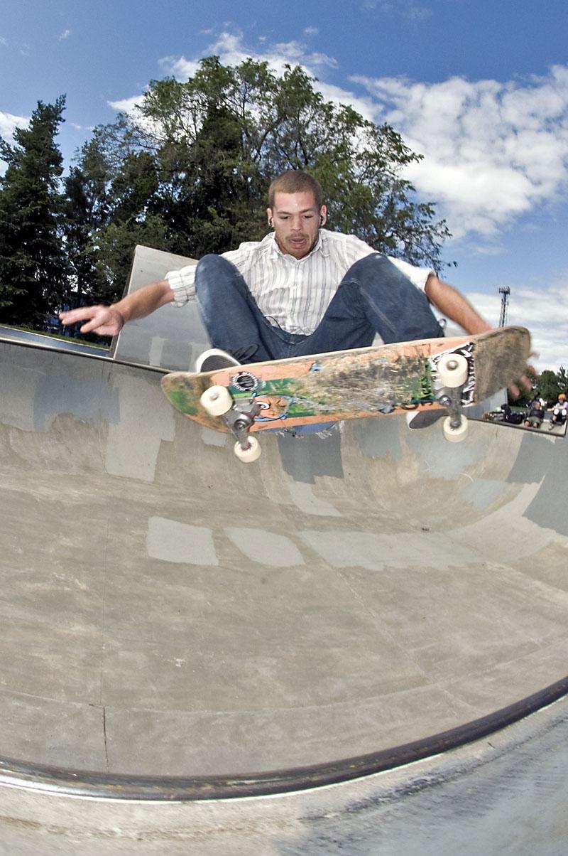 Shane Bell - FS Ollie @ Pier Park
