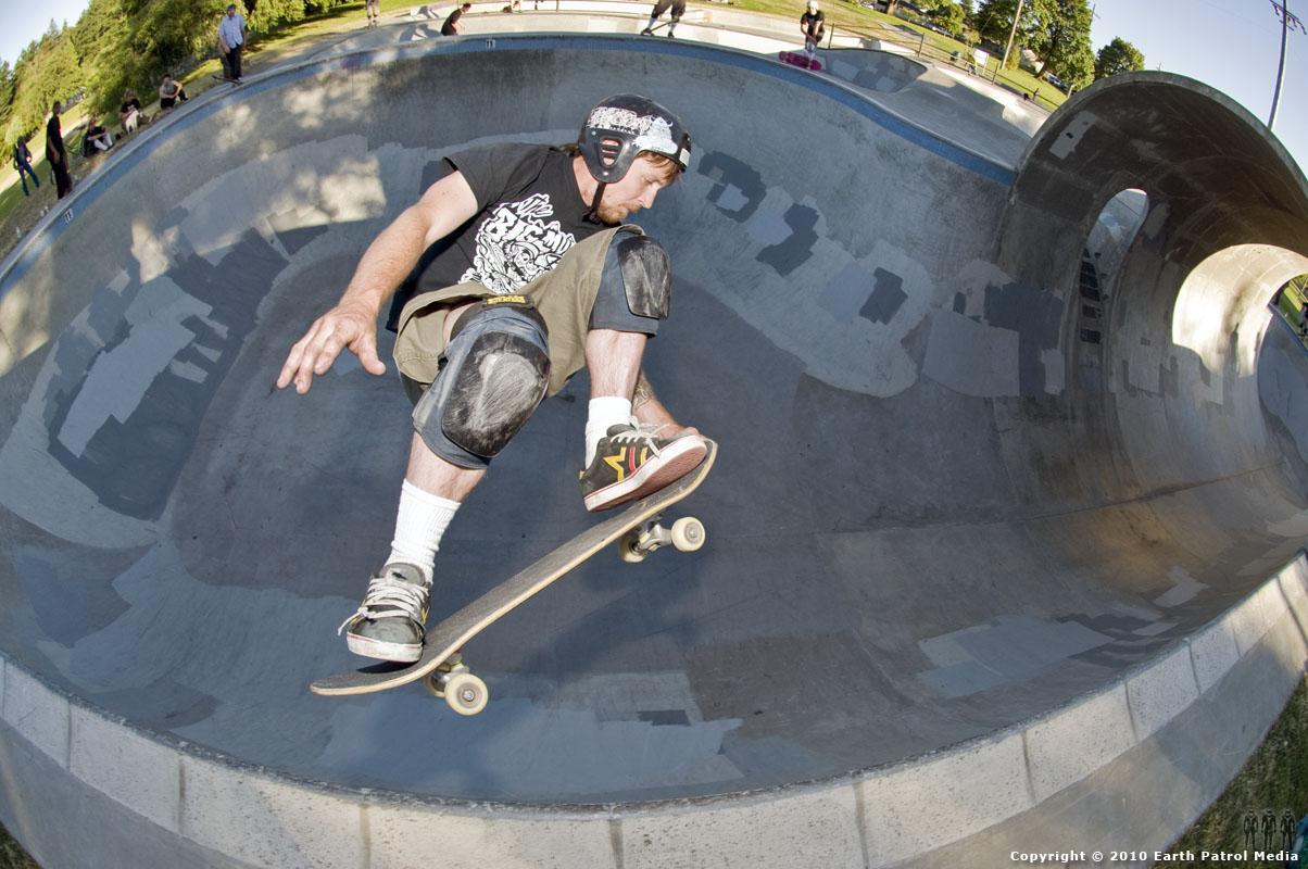 Benji Galloway - FS Air Nose Grab @ Pier Park