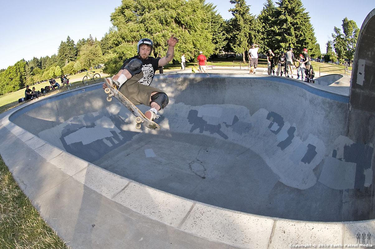Benji Galloway - FS Air Tail Grab @ Pier Park