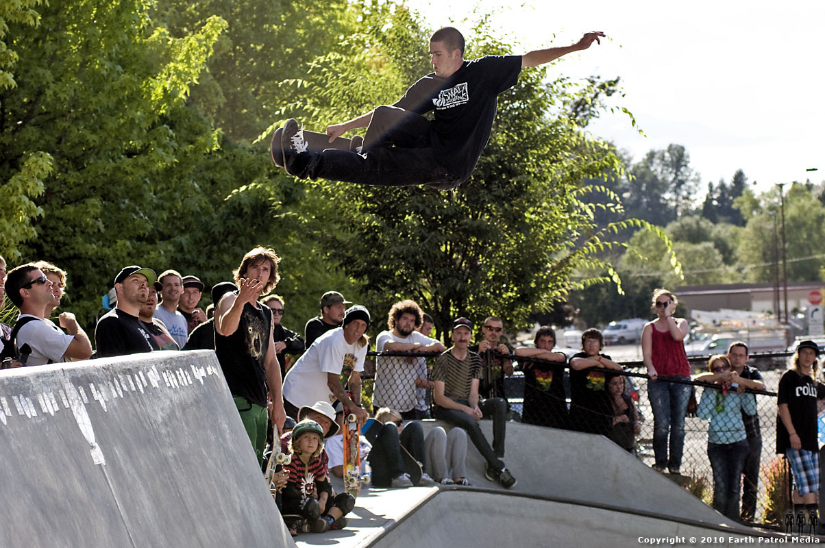 Brad McClain - Poking out a FS Air @ Tigard